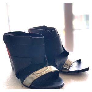 9 M VINCE leather open toe mule slide wedge heel